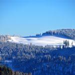 Lidé začínají kupovat zimní dovolené. Díky tomu roste zájem o nebankovní úvěry
